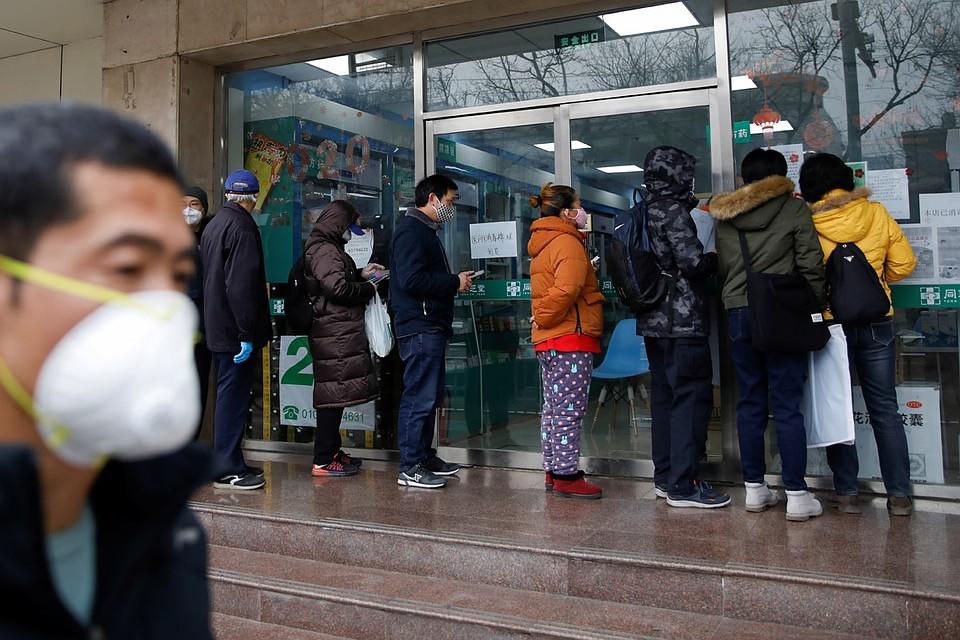 В Китае здоровых и заболевших коронавирусом отслеживают через сотовые телефоны